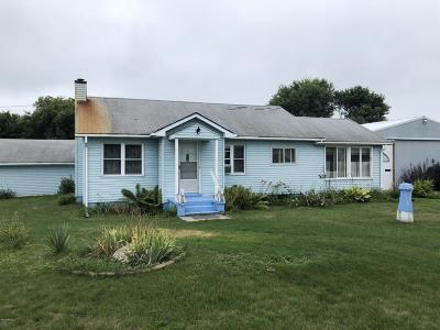 Single Family Home For Sale: 7019 S Rosecrans Street
