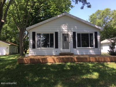 Cass County Single Family Home For Sale: 50078 W Lakeshore Drive