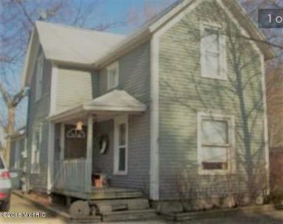 Coloma Single Family Home For Sale: 155 Walnut Street
