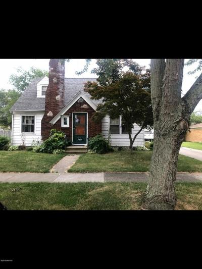 St. Joseph Single Family Home For Sale: 2517 Willa Drive
