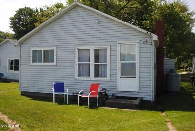 Ludington Condo/Townhouse For Sale: 4849 N Lakeshore Drive #37