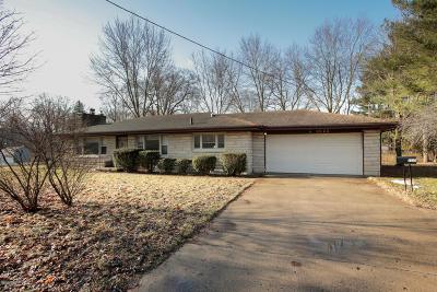 Calhoun County Single Family Home For Sale: 2523 W Michigan Avenue