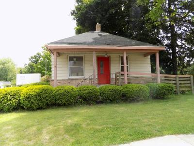 Coloma Single Family Home For Sale: 112 W St Joseph Street