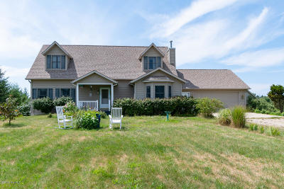 Fennville Single Family Home For Sale: 1638 66th Street