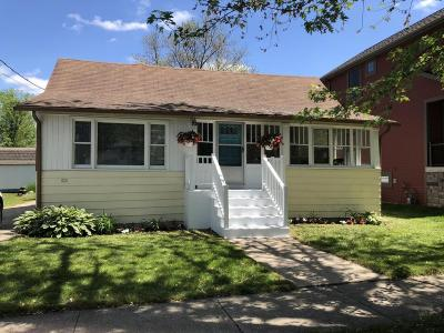 South Haven MI Single Family Home For Sale: $279,000