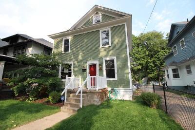 Grand Rapids Single Family Home For Sale: 444 Ethel Avenue SE