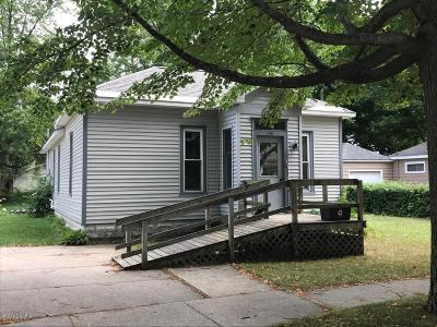 Benzie County, Charlevoix County, Clare County, Emmet County, Grand Traverse County, Kalkaska County, Lake County, Leelanau County, Manistee County, Mason County, Missaukee County, Osceola County, Roscommon County, Wexford County Single Family Home For Sale: 310 N William Street