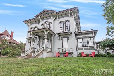Grand Rapids Condo/Townhouse For Sale: 44 Lafayette Avenue NE #3
