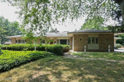 St. Joseph Single Family Home For Sale: 2585 Lake Bluff Terrace