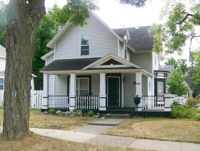 Cadillac Single Family Home For Sale: 302 Howard Street