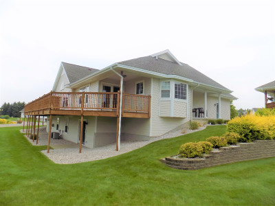 Manistee County Condo/Townhouse Active Contingent: 212 Lighthouse Way S