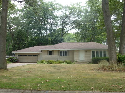 North Muskegon Single Family Home For Sale: 708 Oakmere Place