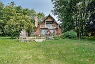Spring Lake MI Single Family Home For Sale: $439,898