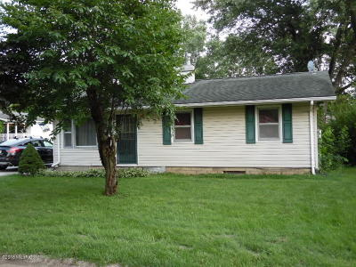 Edwardsburg Single Family Home For Sale: 26933 Church Street