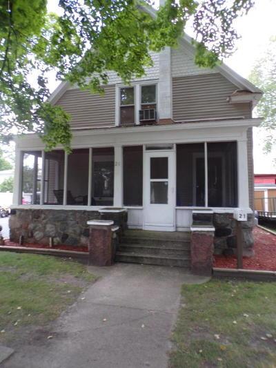 Van Buren County Single Family Home For Sale: 21 W Shepard Street