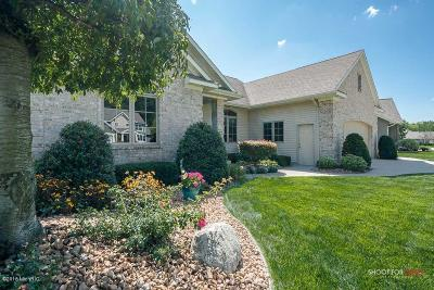 Hudsonville Single Family Home For Sale: 4352 Forestway Court