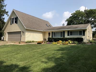 St. Joseph Single Family Home For Sale: 3627 Lakeshore Drive