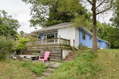 Barry County Single Family Home For Sale: 10790 Stoney Point Drive