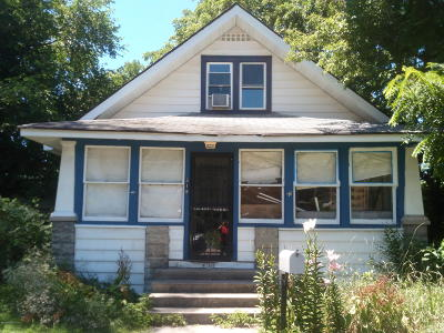 Niles Single Family Home For Sale: 318 N 10th Street