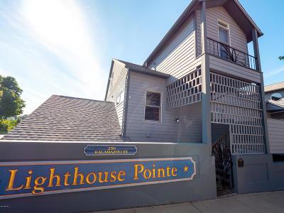 Van Buren County Condo/Townhouse For Sale: 250 Kalamazoo Street #2