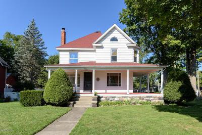 Vicksburg Single Family Home For Sale: 302 S Michigan Avenue