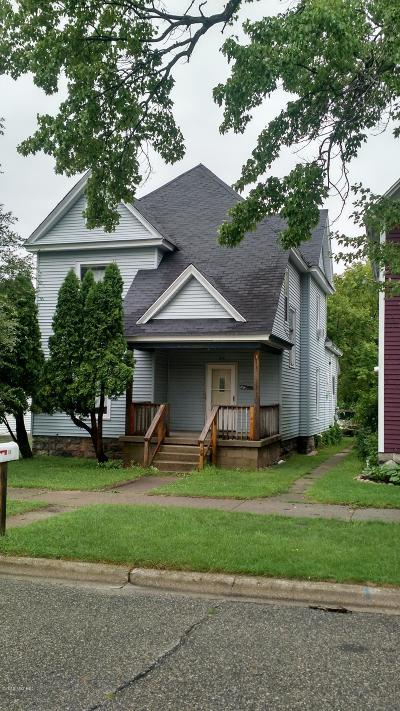 Big Rapids Single Family Home For Sale: 218 N Warren Avenue