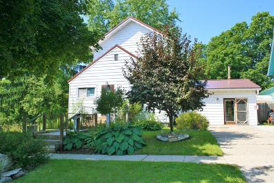 Edmore Single Family Home For Sale: 119 N Fifth Street