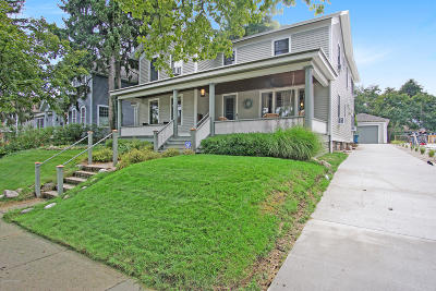 Grand Haven, Spring Lake Single Family Home For Sale: 614 Clinton Avenue