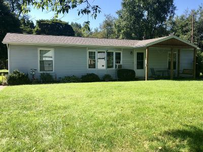 Edwardsburg Single Family Home For Sale: 25111 Maple Street