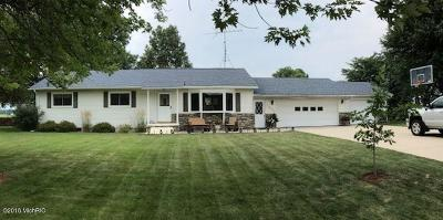 St. Joseph County Single Family Home For Sale: 16902 Centreville Constantine Road