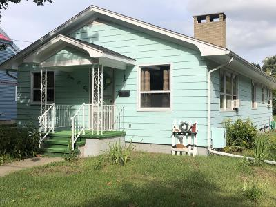Charlotte MI Single Family Home For Sale: $159,900