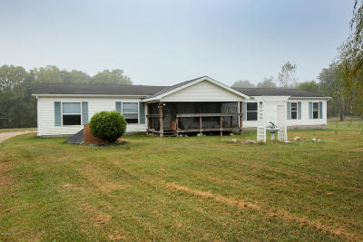 Colon Single Family Home For Sale: 33405 Oak Leaf Trail