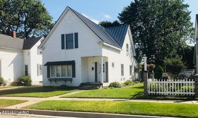 Manistee County Single Family Home For Sale: 377 6th Street