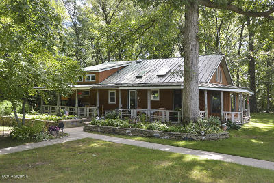 Van Buren County Single Family Home For Sale: 78051 Territorial Rd