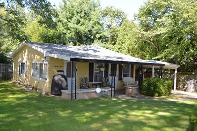Harbert, Lakeside, New Buffalo, Sawyer, Three Oaks, Union Pier Single Family Home For Sale: 29 S Townsend Street