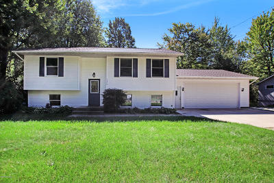 Grand Haven, Spring Lake Single Family Home For Sale: 15374 State Road