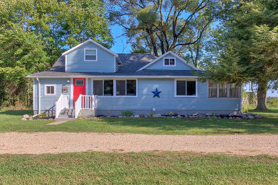 Allegan County Single Family Home For Sale: 1702 68th Street