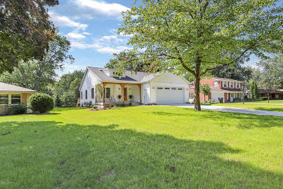 Holland, West Olive Single Family Home For Sale: 64 W 33rd Street