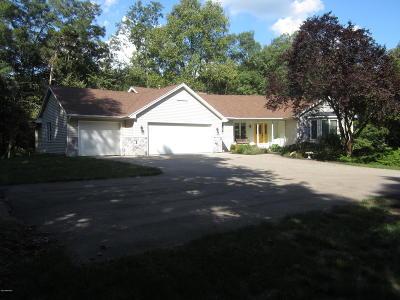 Ada Single Family Home For Sale: 1520 Hawthorne Hills Drive SE