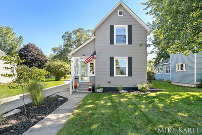 Zeeland Single Family Home For Sale: 277 S Maple Street