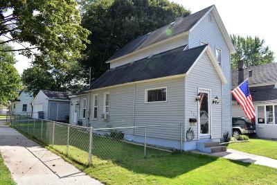 Grand Rapids MI Single Family Home For Sale: $140,000