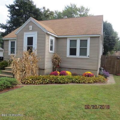 Benton Harbor Single Family Home For Sale: 1145 Villa Court