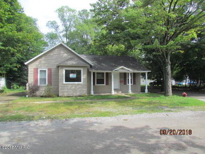 Muskegon Single Family Home For Sale: 1832 Moore Street
