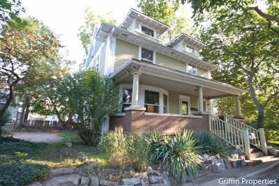 Clinton County, Gratiot County, Isabella County, Kent County, Mecosta County, Montcalm County, Muskegon County, Newaygo County, Oceana County, Ottawa County, Ionia County, Ingham County, Eaton County, Barry County, Allegan County Multi Family Home For Sale: 621 Stanley Terrace NE