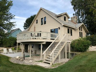 Benzie County, Charlevoix County, Clare County, Emmet County, Grand Traverse County, Kalkaska County, Lake County, Leelanau County, Manistee County, Mason County, Missaukee County, Osceola County, Roscommon County, Wexford County Single Family Home For Sale: 16816 First Street