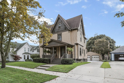 Grand Haven Single Family Home For Sale: 602 Lafayette Avenue