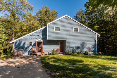 Lawrence Single Family Home For Sale: 68241 52nd Street
