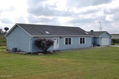 Isabella County, Mecosta County, Montcalm County, Newaygo County, Osceola County Single Family Home For Sale: 11033 W Vernon Road