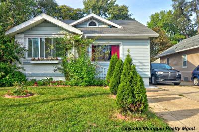 Single Family Home For Sale: 231 Quigley Boulevard SW