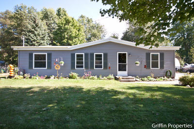 Grand Haven, Spring Lake Single Family Home For Sale: 11926 Reed Street